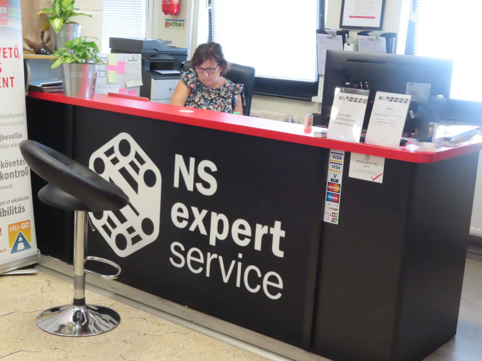 _lNS-Expert-ugyfelter-1536x1152-1